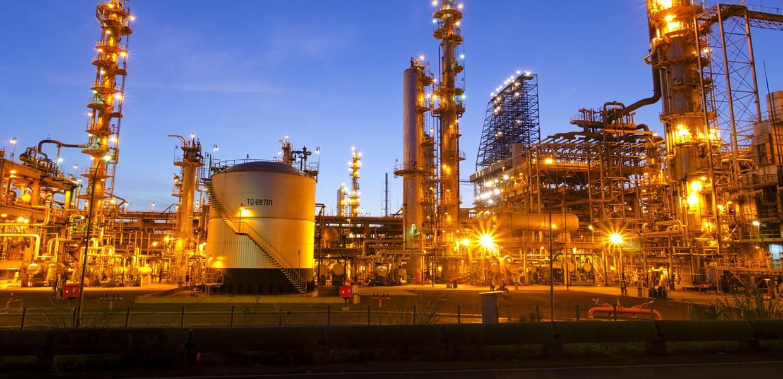 Pioneira em refinarias, gasodutos e oleodutos